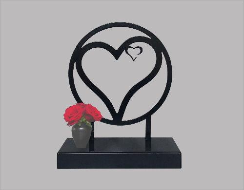 Grote metalen urn hart in hart