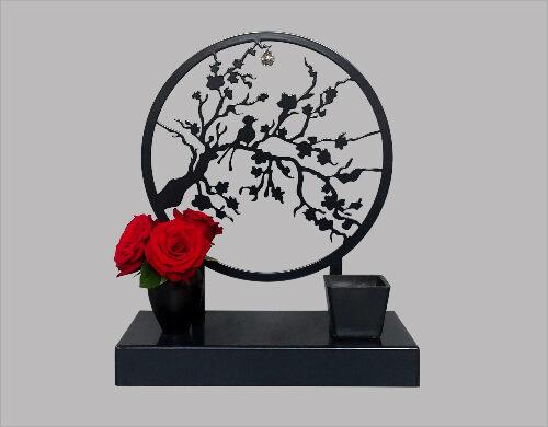 urn met bloesemtak